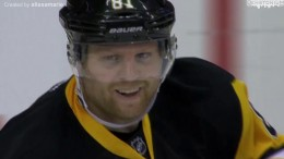 "Phil Kessel Tribute – ""Make Someone Happy"" [by alissamarie]"